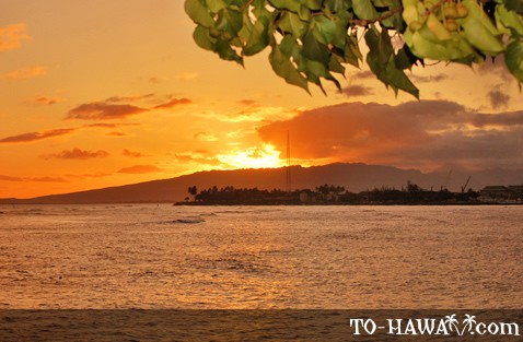 Ala Moana Beach Park at sunset