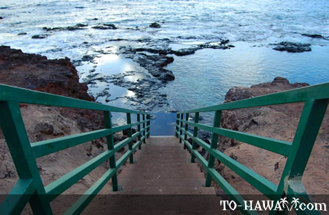 Stairs to Hulopo'e Bay tidepools