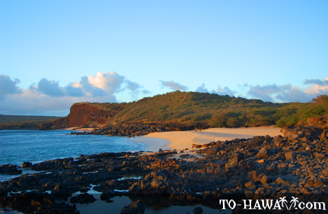 Pohakumauliuli Beach at sunset