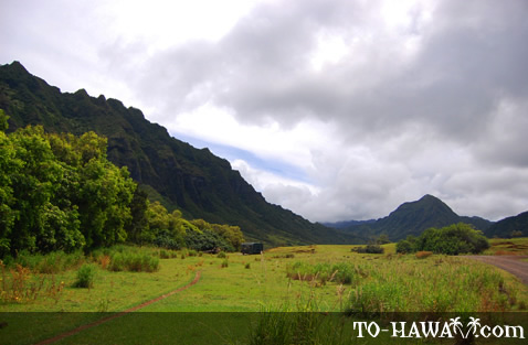 Scenic valley near Kualoa Ranch