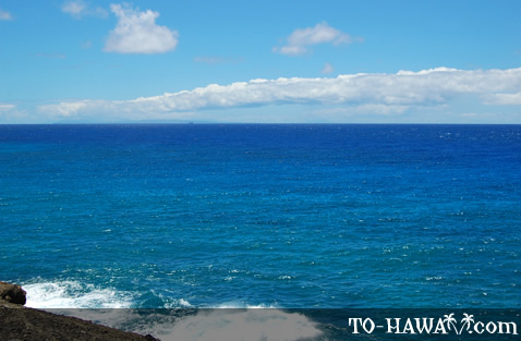 Nice clear day on Oahu's south shore