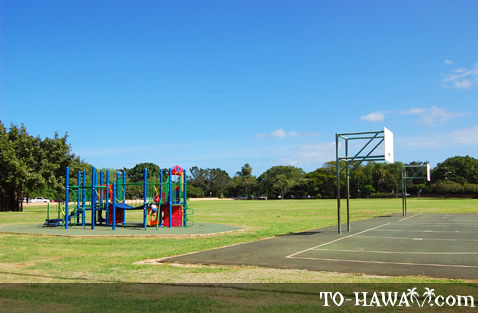 Basketball field in Haleiwa