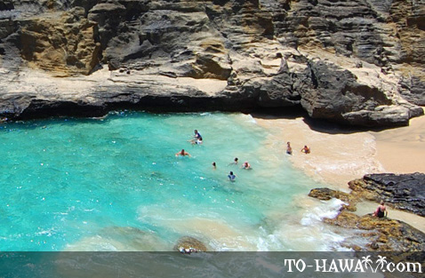 Small cove on Oahu's south shore