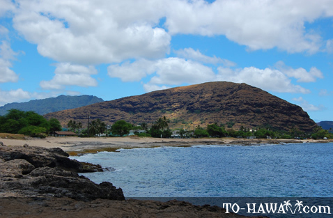 Rocky beach on Oahu's west coast