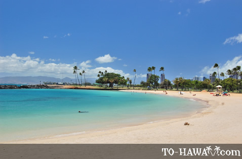 Good swimming beach in Honolulu