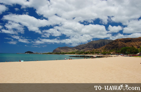 Sandy beach on Oahu's west shore
