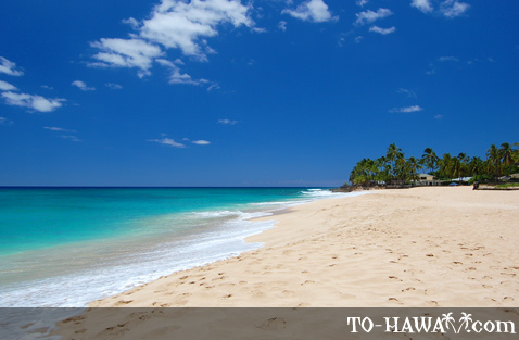 Long white sand beach on Oahu's west shore