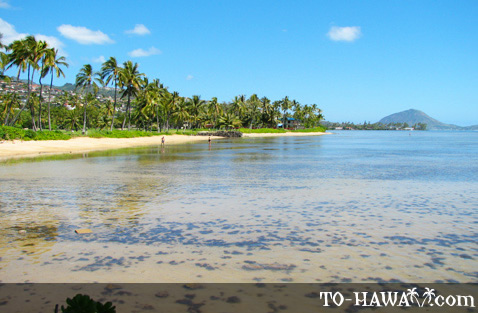 Scenic view east of Kahala Beach
